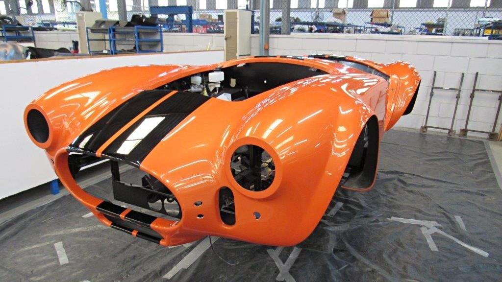 AC Cobra Series 4: мощный электрический родстер в классической ливрее