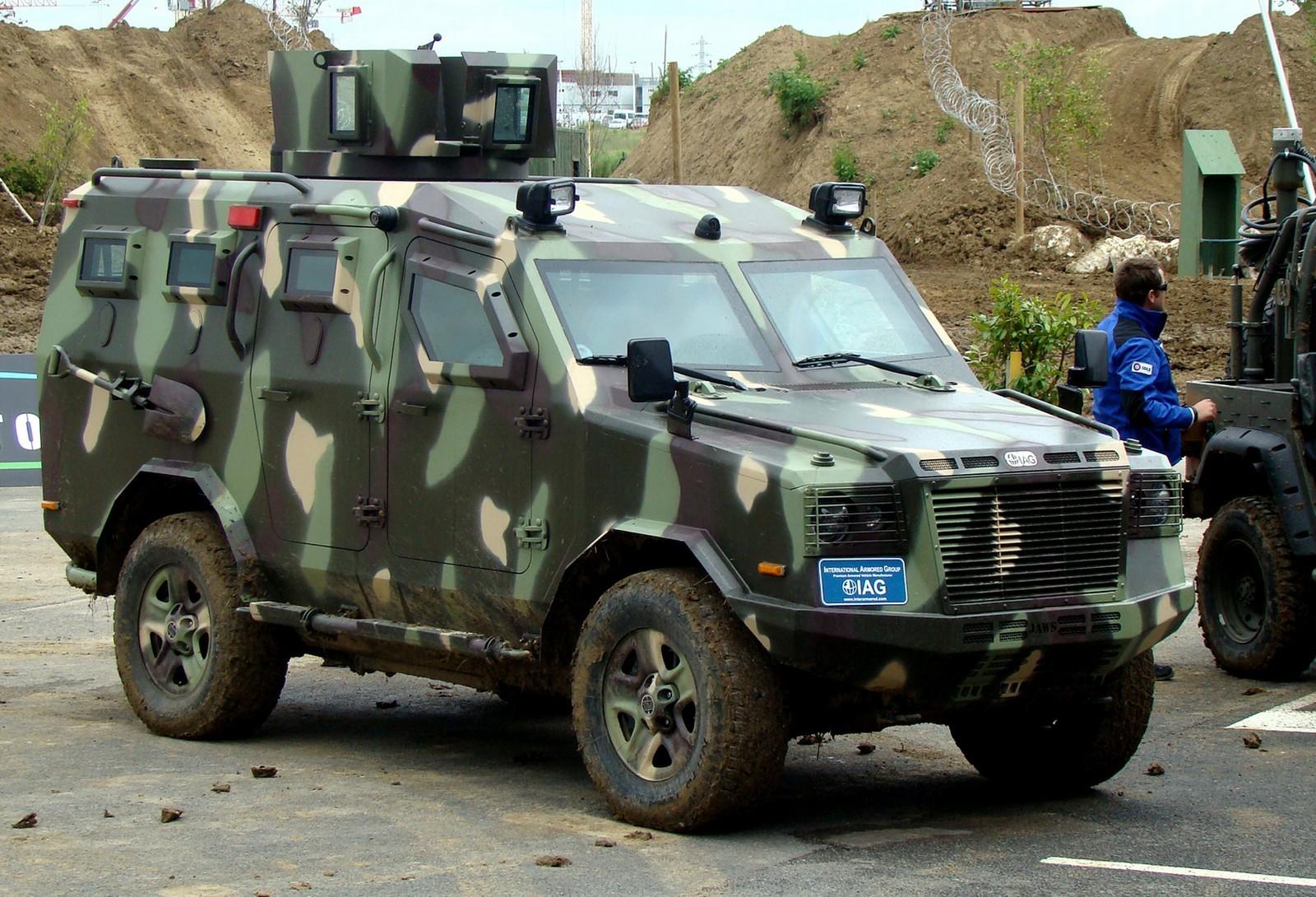 Башенная патрульная машина IAG Jaws на демонстрационных испытаниях