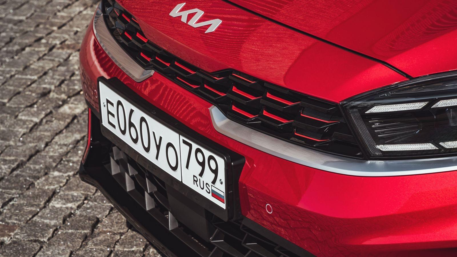 Новый дизайн и телематика, но старые моторы: тест обновленного Kia Cerato