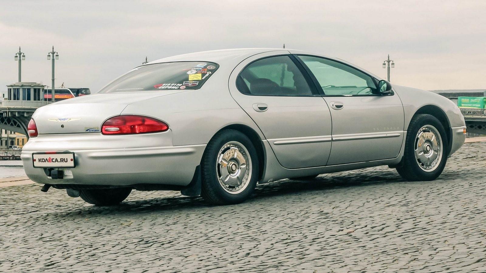 Chrysler Concorde сбоку