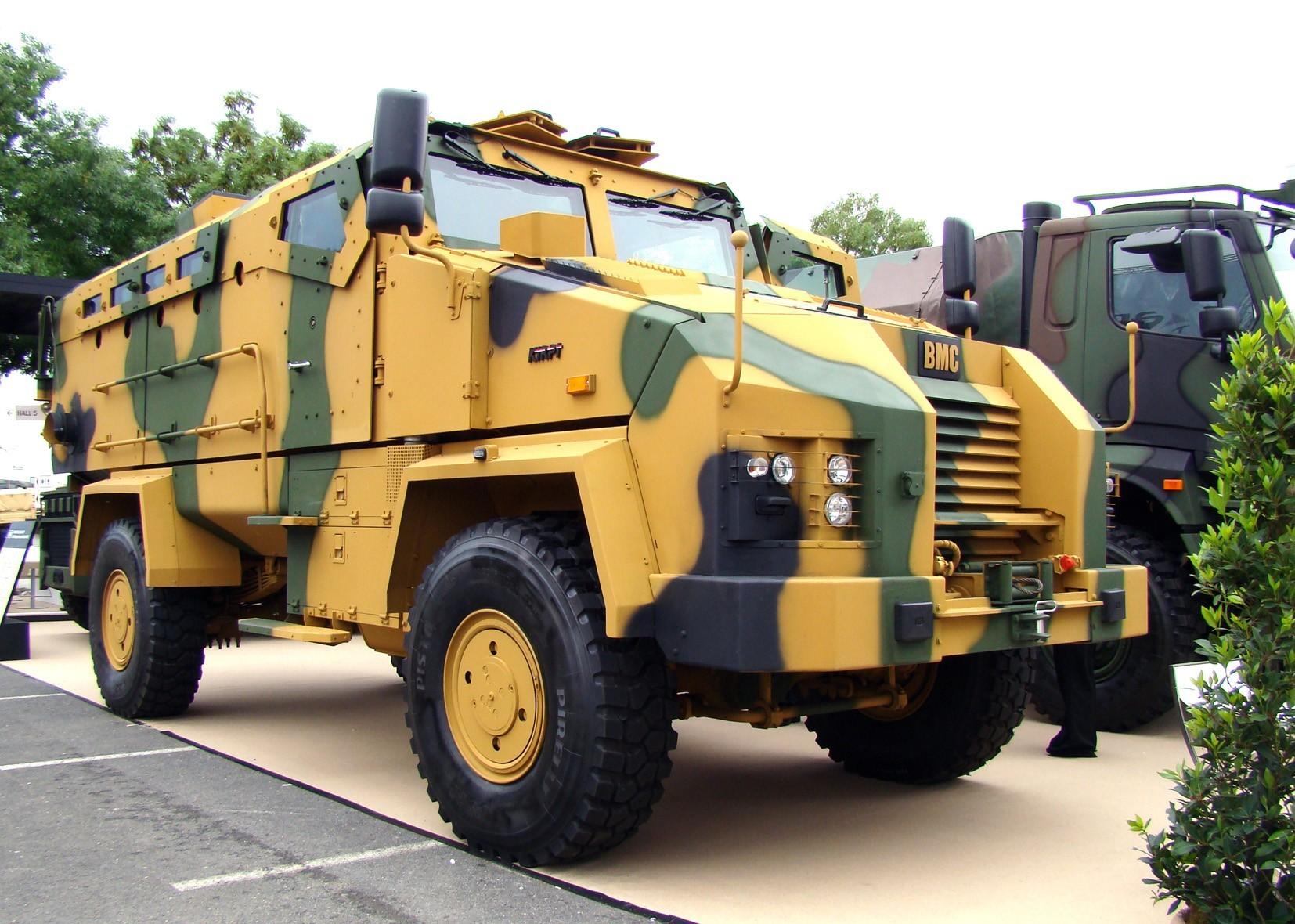 Многоцелевая 350-сильная машина ВМС 350-16Z Kirpi с защитой MRAP