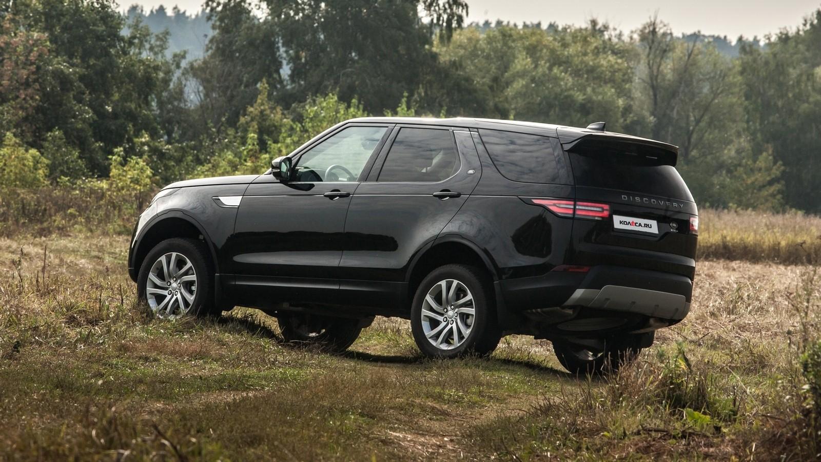 Land Rover Discovery чёрный сзади (2)