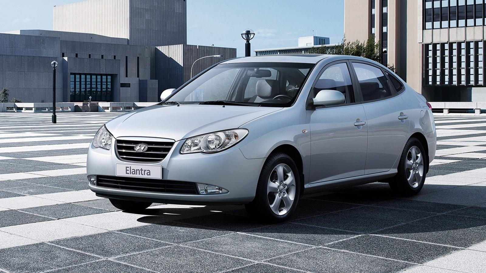 На фото: Hyundai Elantra (HD) '2006