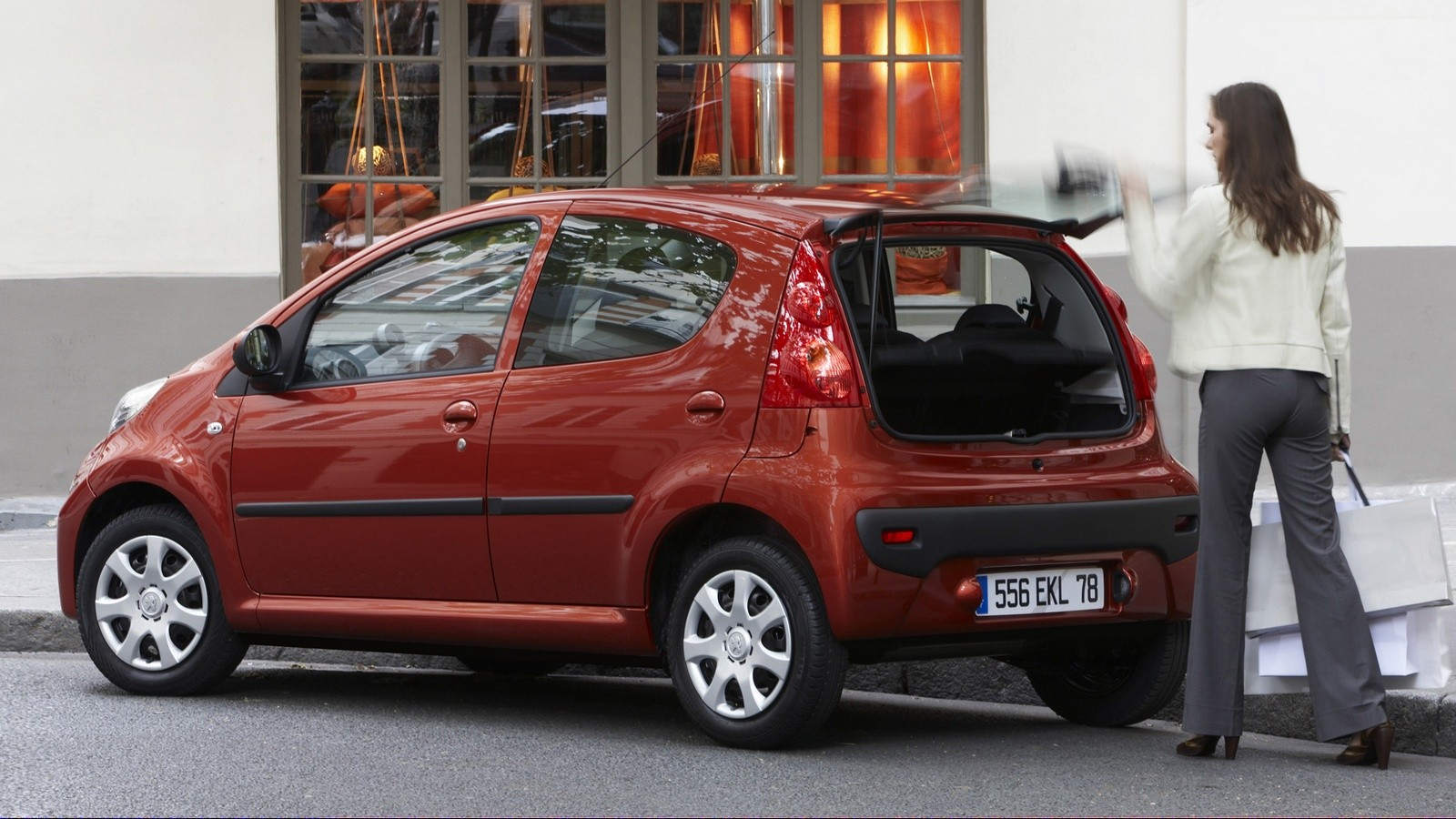 Peugeot 107 5-door Worldwide '2008–12