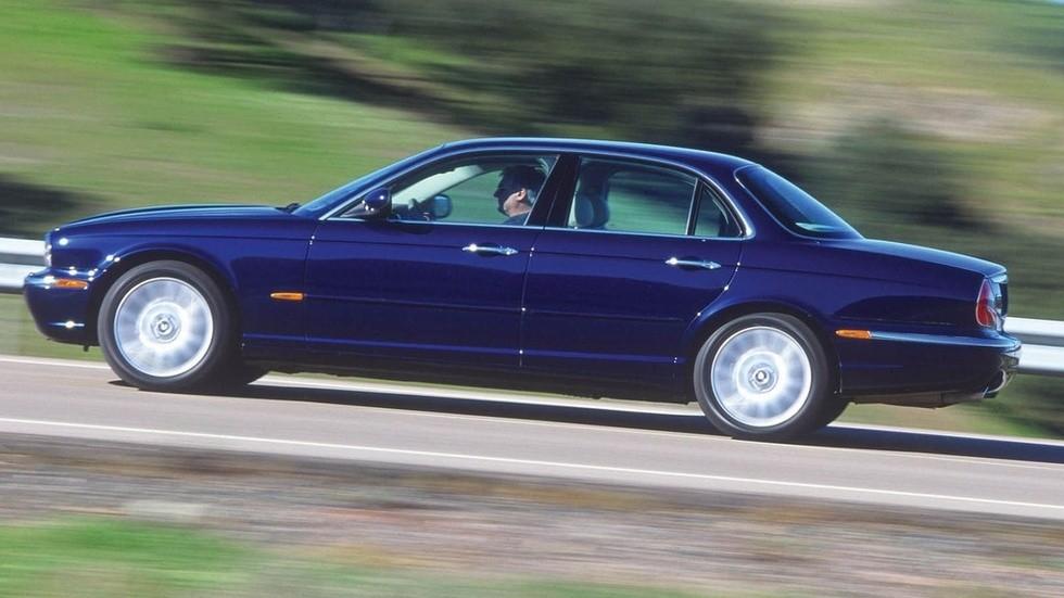 На фото: Jaguar XJ6 '2003–07