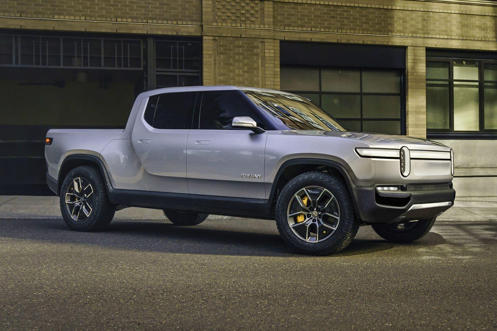 Электрический пикап Rivian R1T, способный проехать на одной зарядке 640 км, появится на рынке в конце 2020 года. Успеет ли к тому времени Ford предложить свою альтернативу?