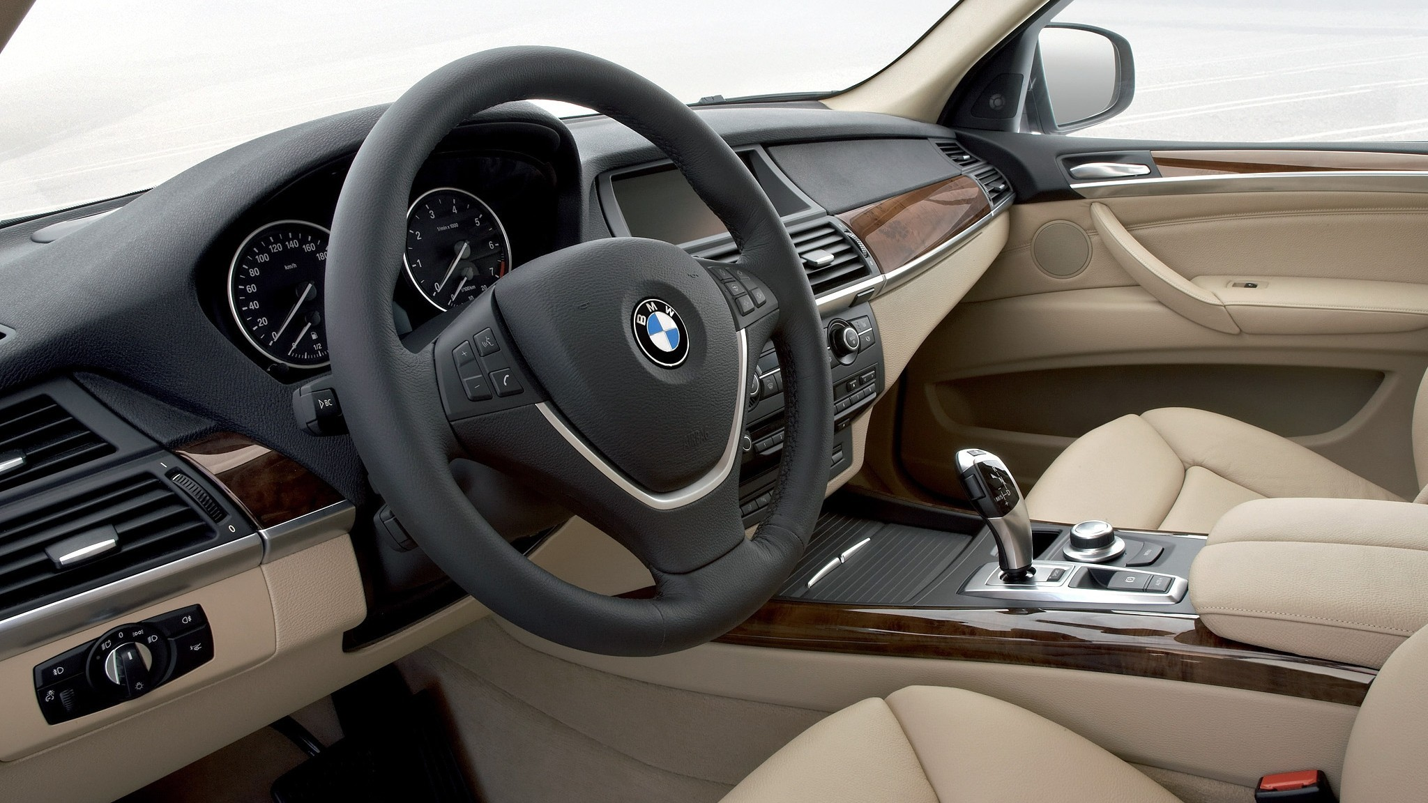 Интерьер BMW X5 4.8i (E70) '2007–10л