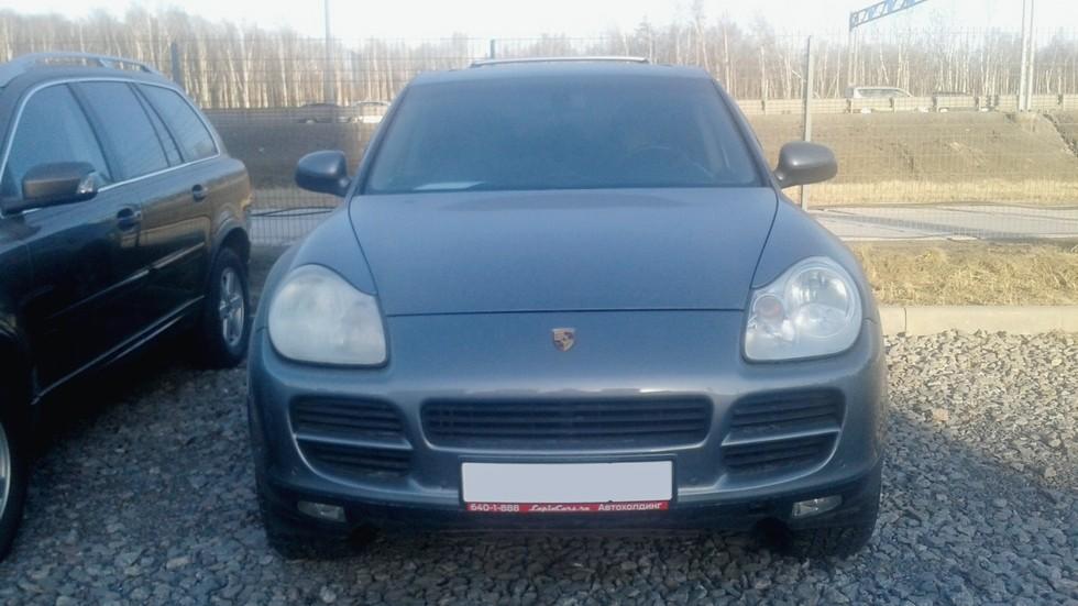 Porsche Cayenne серый вид спереди