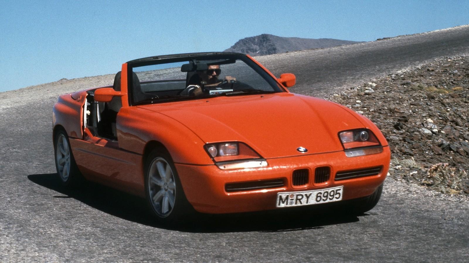 На фото: BMW Z1 (E30) '1988–1991