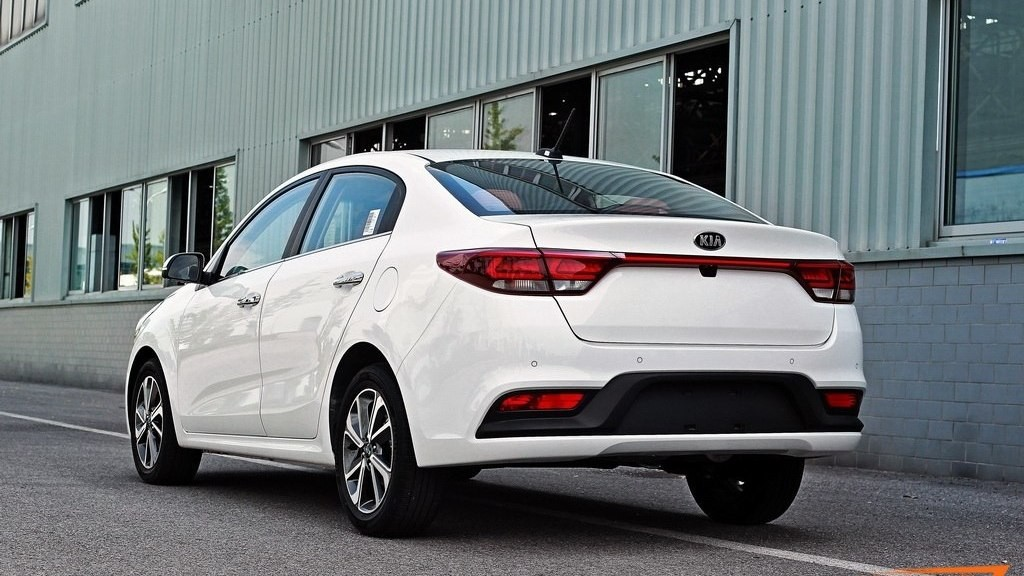kia-rio-sedan-2017-spy-photo-2