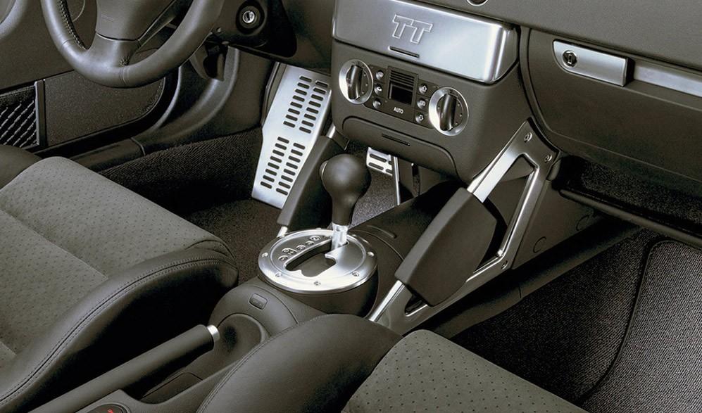 Главное – не попадать в ДТП: стоит ли покупать Audi TT I за 500 тысяч рублей
