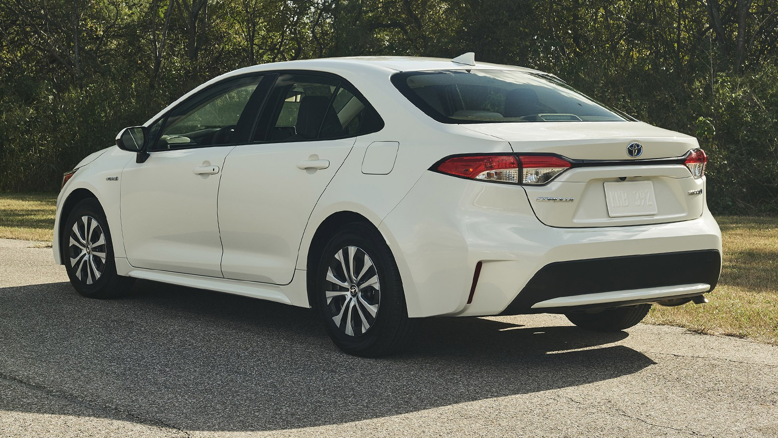 toyota_corolla_hybrid_sedan_545