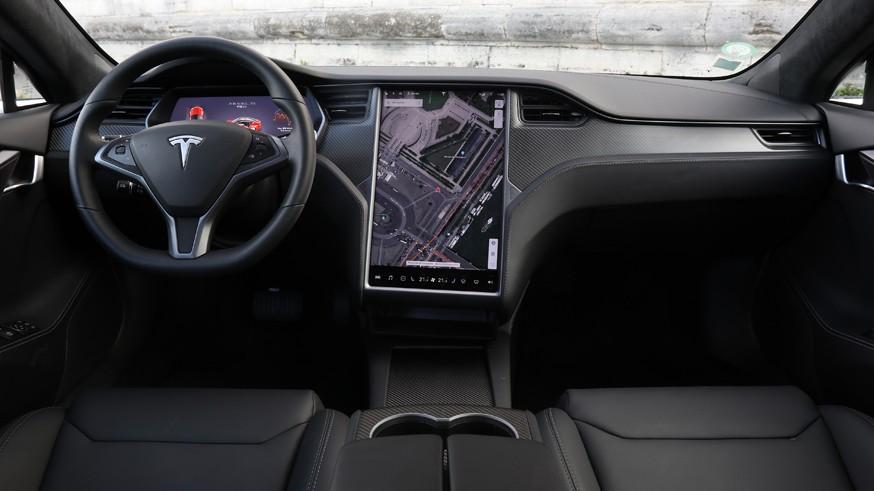Чтобы превзойти конкурента: Tesla Model S расширила линейку за счёт версии Plaid