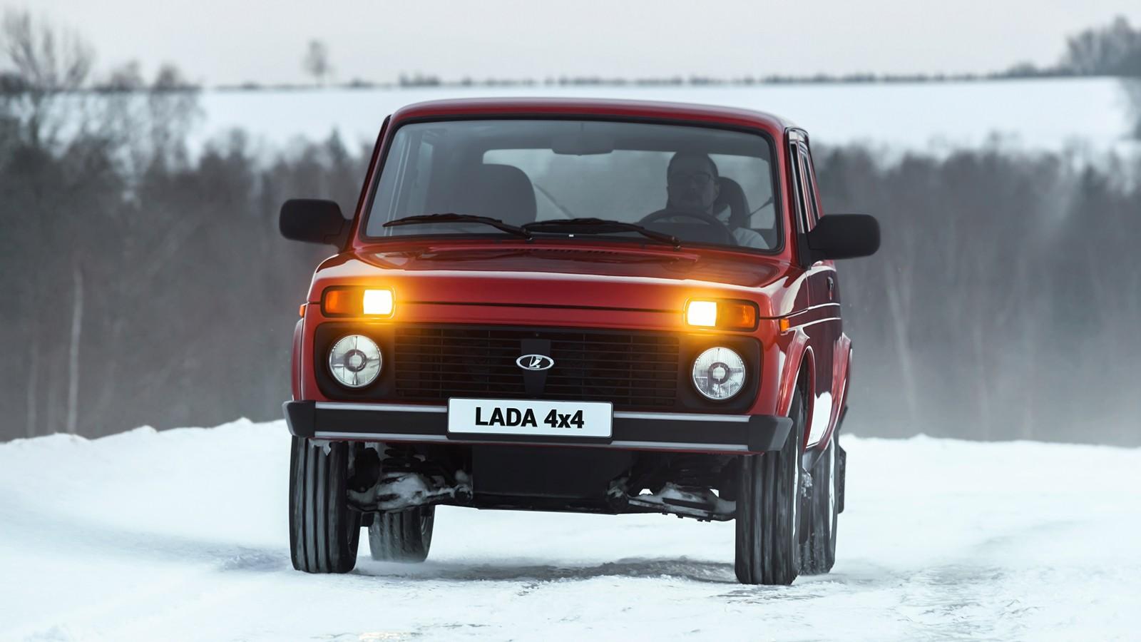 На фото: Lada 4x4
