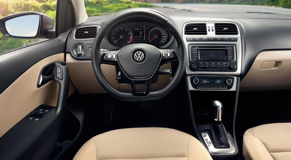 volkswagen_polo_sedan_13