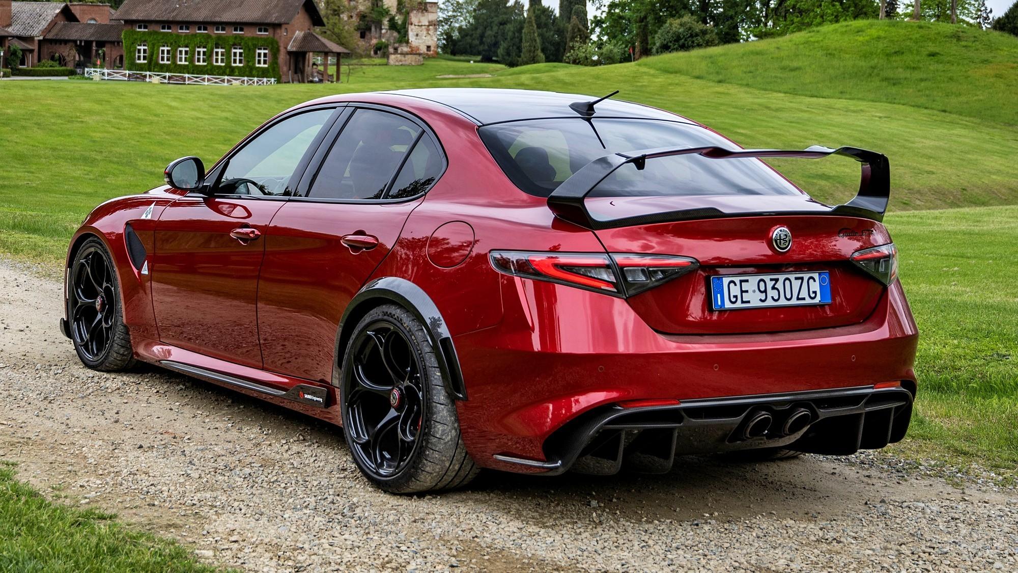 Раритет для петролхедов: Alfa Romeo распродала все спортседаны Giulia GTA