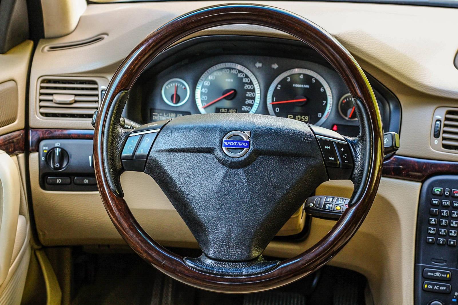 Volvo S80 руль 3