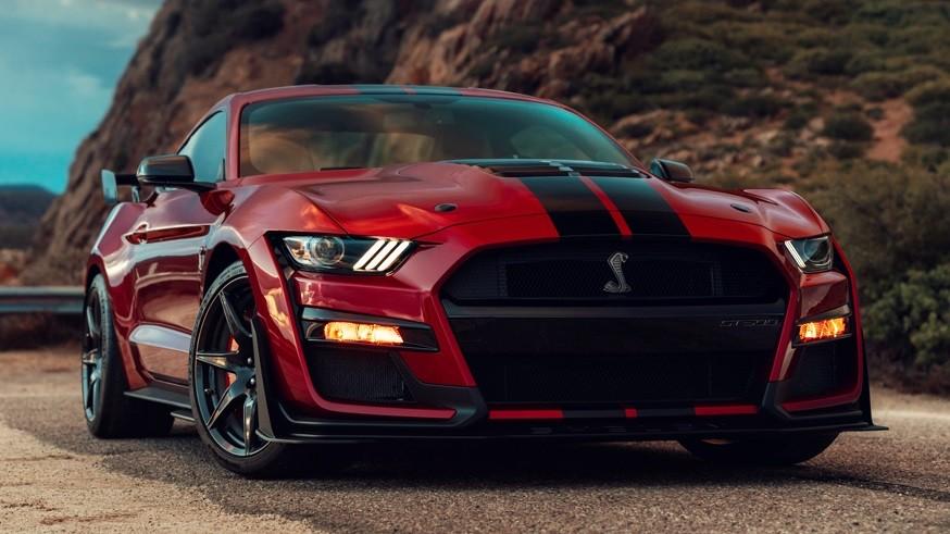 Догнать Dodge Challenger: Ford Mustang всё-таки может получить полный привод