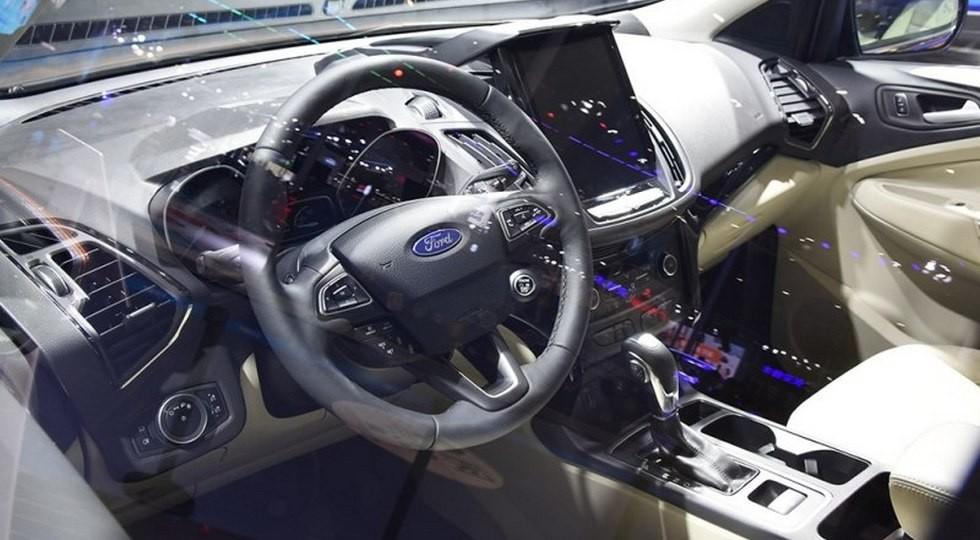 Обновленный Ford Kuga для Китая, комплектация Titanium