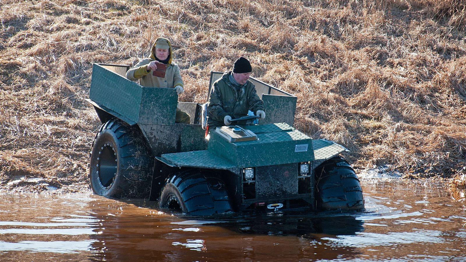Девочки плачут, мальчики смеются: тест-драйв вездехода ЗИС-178 за 200 тысяч рублей