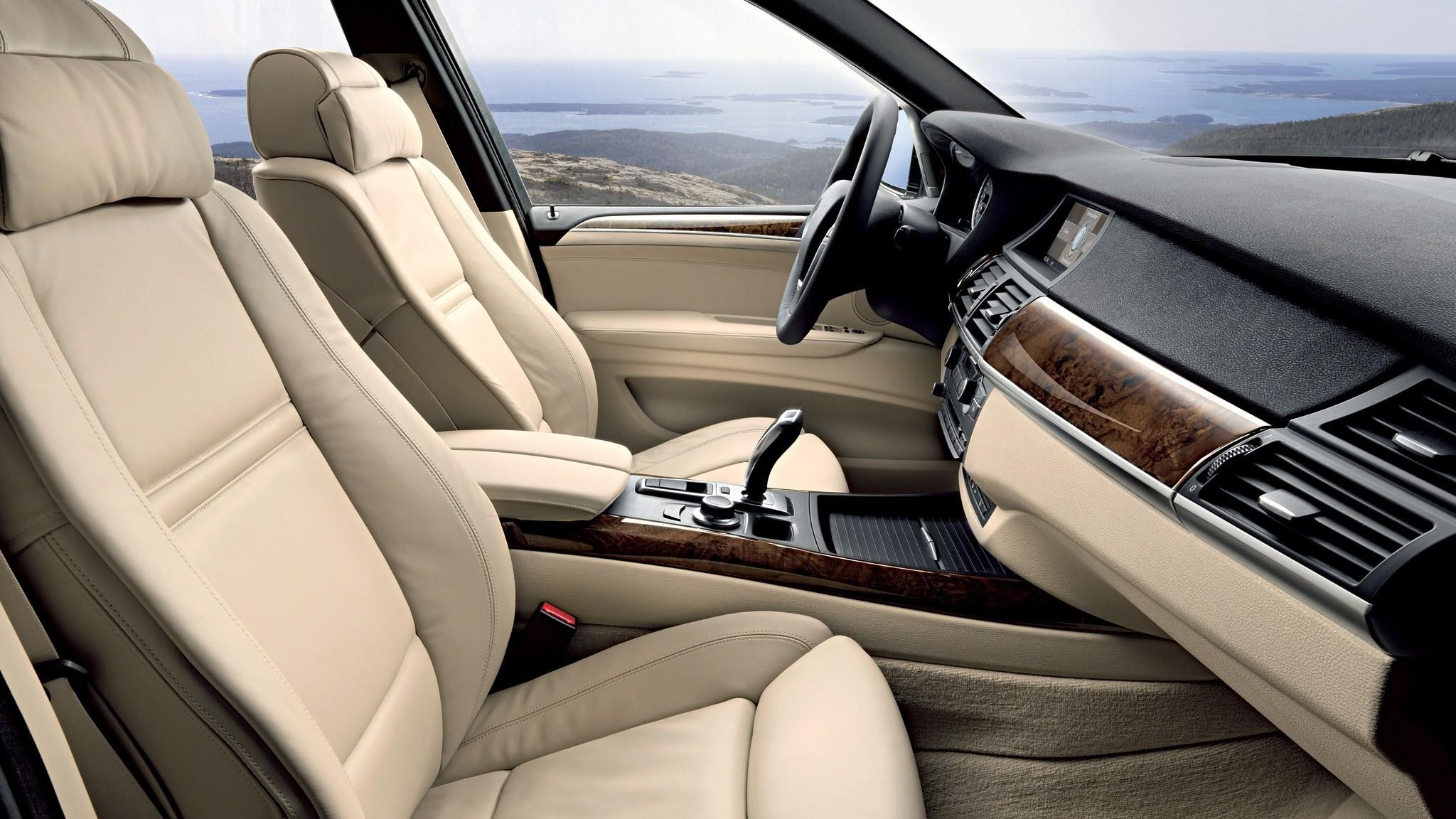 Интерьер BMW X5 4.8i (E70) '2007–10