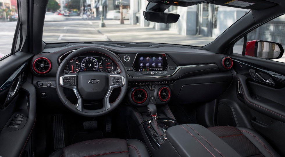 Кроссовер Chevrolet Blazer лишится базового мотора, зато заиграет новыми красками