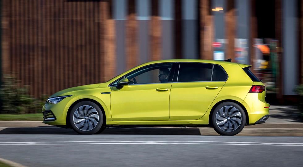 Volkswagen Golf стартует в России: только две версии, пока дороже Audi A3