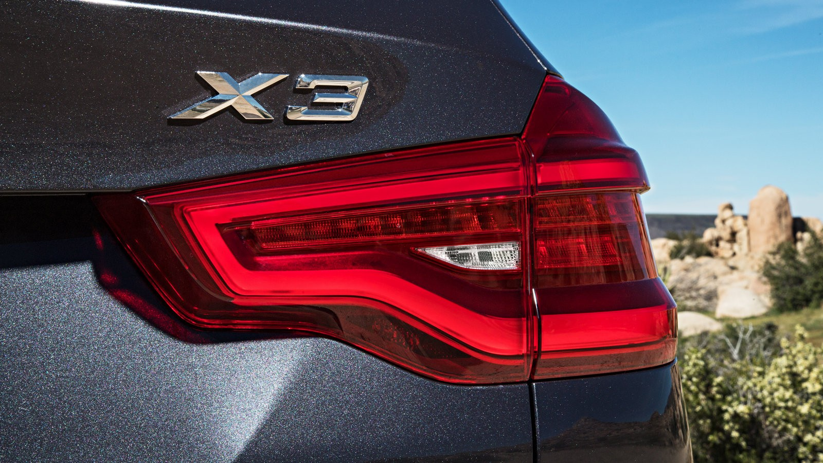 P90263759_highRes_the-new-bmw-x3-xdriv