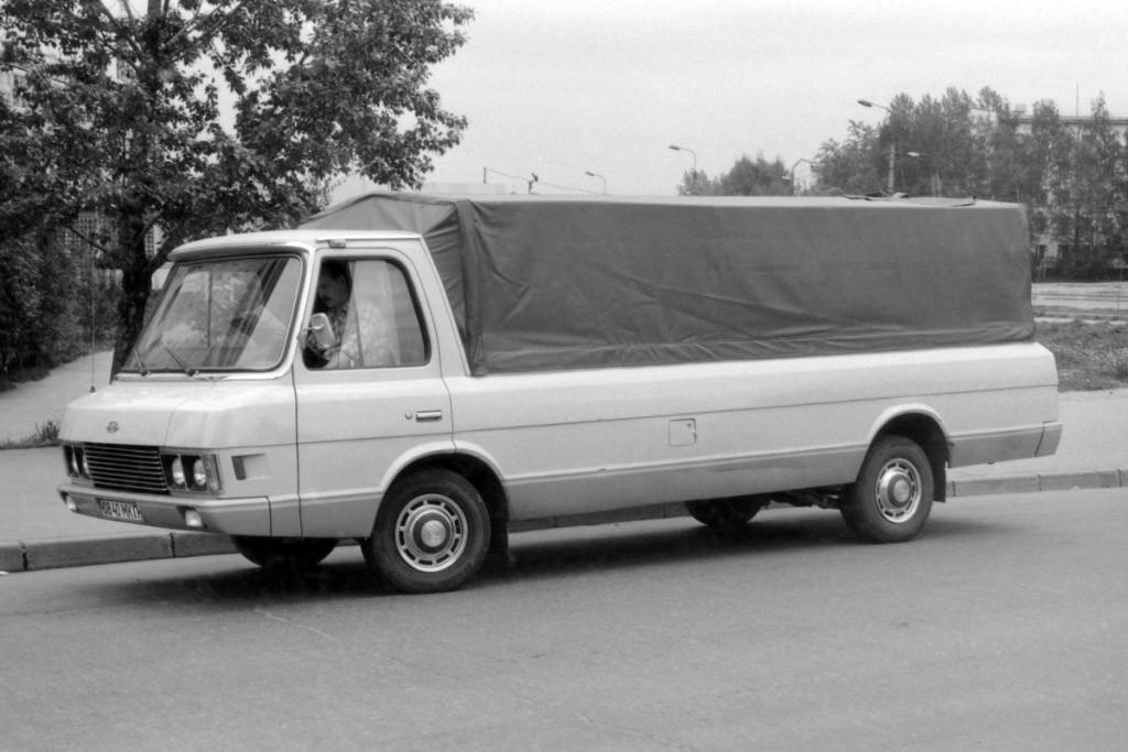 Рама, американский дизайн и восторг Хрущева: мифы и факты о микроавтобусе ЗИЛ «Юность»