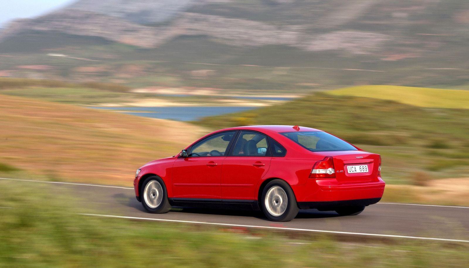 5 причин покупать и не покупать Volvo S40 II