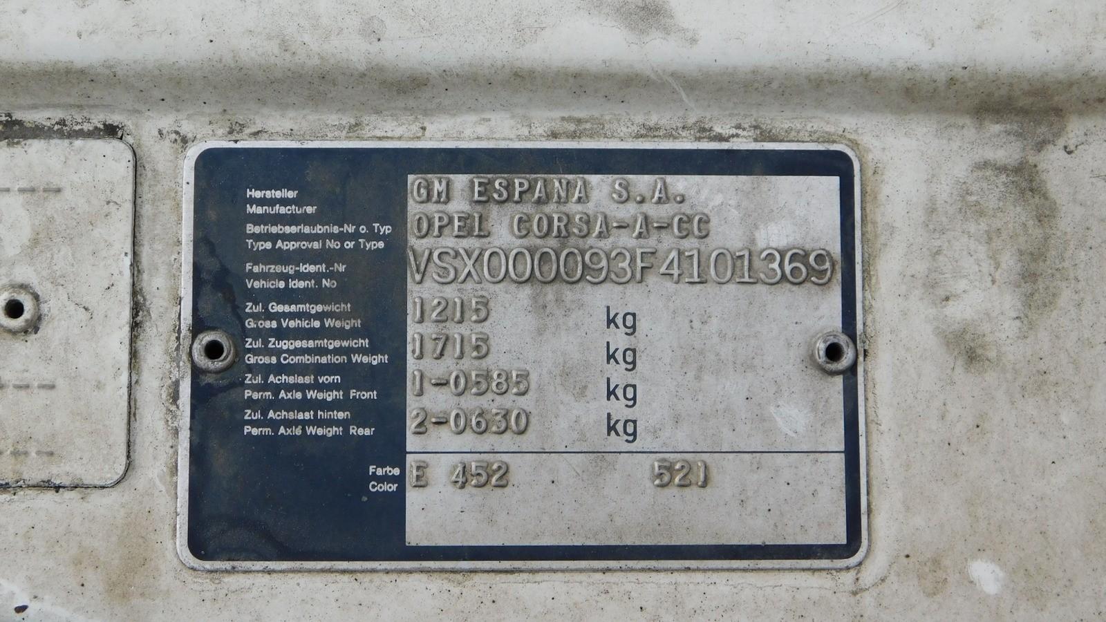заводская табличка Opel Corsa