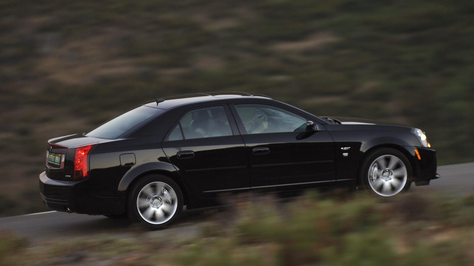 Cadillac CTS-V Worldwide '2004–07 сбоку черный