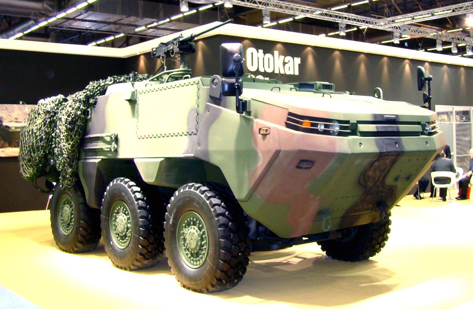 Пулеметная бронемашина Otokar Arma на трехосном модульном шасси