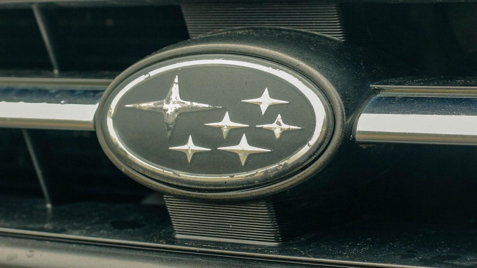 Subaru Legacy эмблема