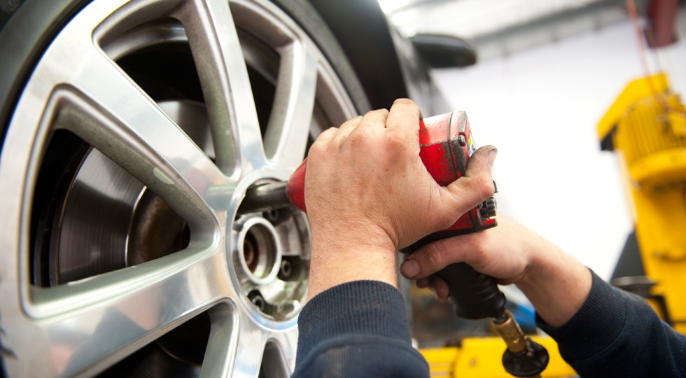 Tyre Service at Mechanic