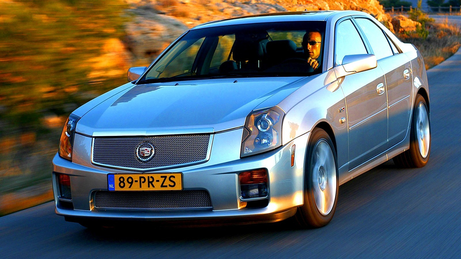 Cadillac CTS-V Worldwide '2004–07 спереди