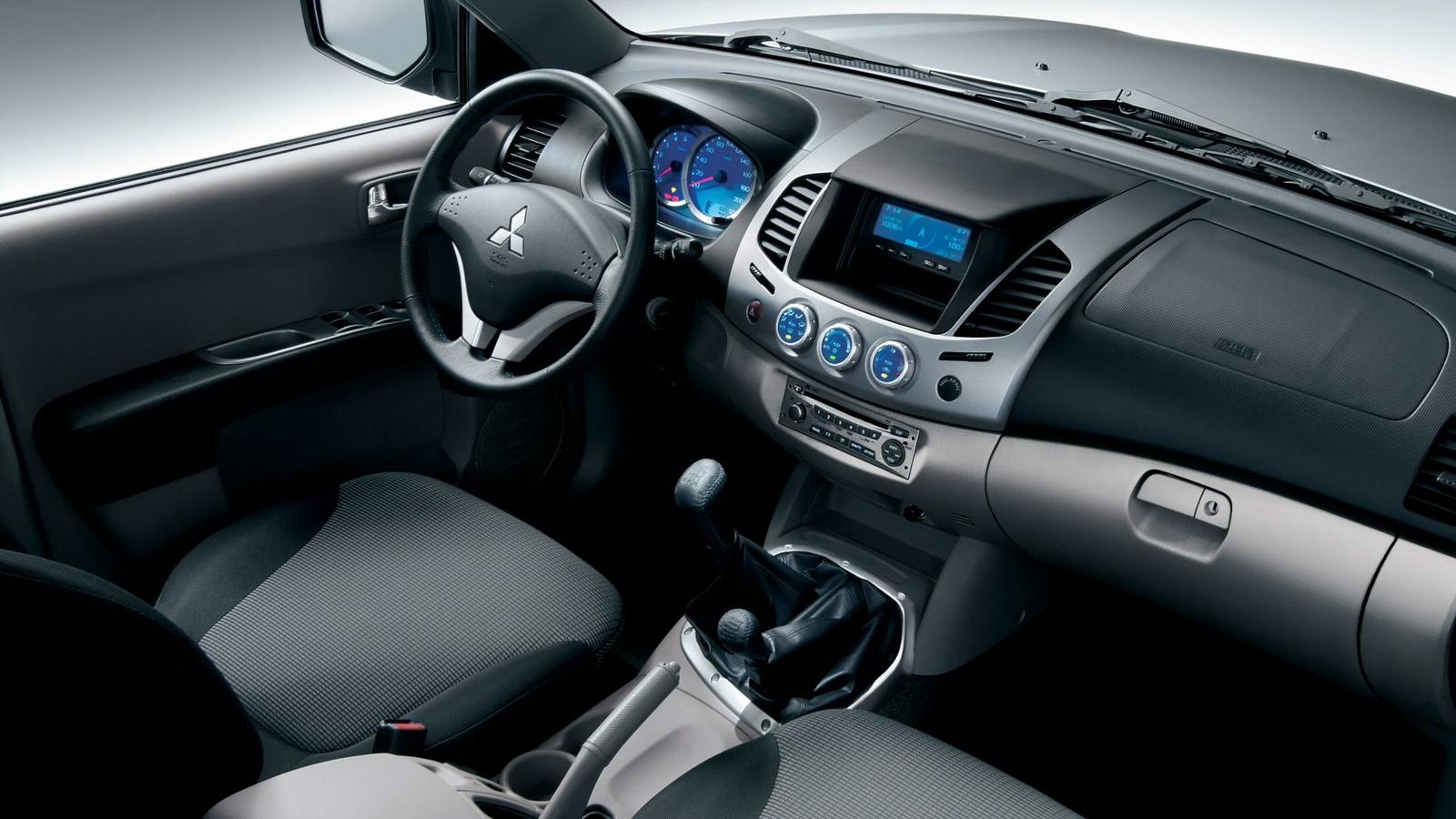 Mitsubishi L200 Double Cab '2006–15