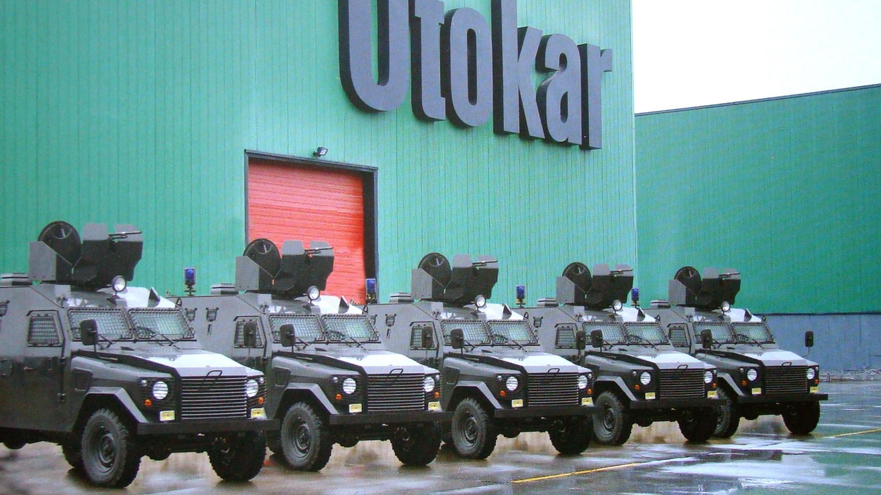 Патрульные бронемашины Otokar APV на территории завода в Сакарье