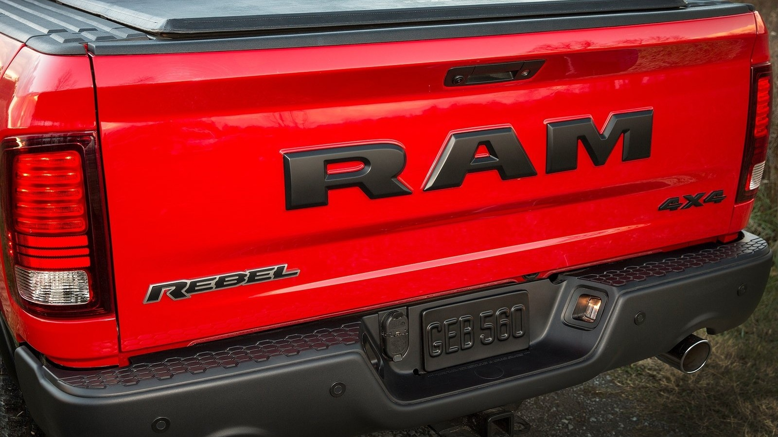 Dodge-Ram_1500_Rebel-2015-1600-24