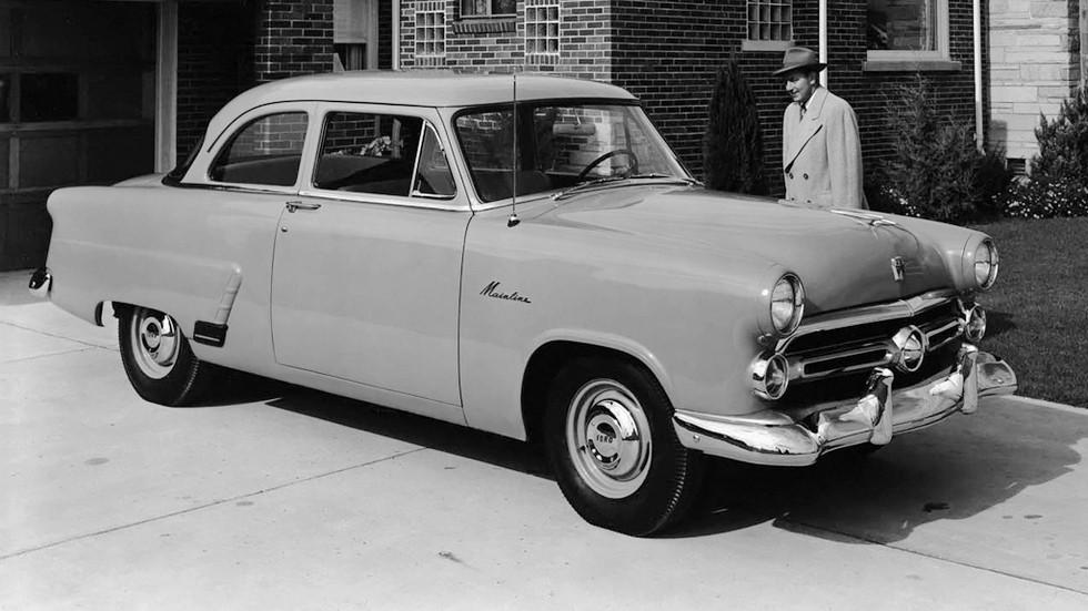 Ford Mainline Tudor Sedan (70A) '1952