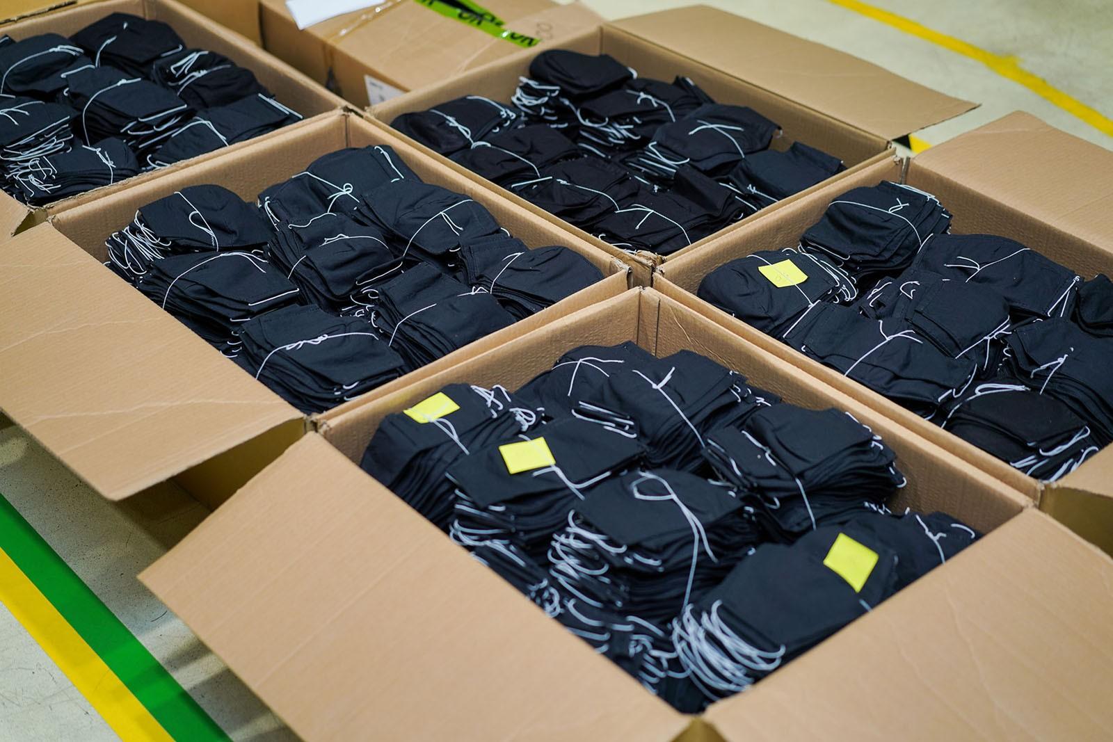 Борьба с пандемией продолжается: завод Toyota в Санкт-Петербурге выпустил тысячи масок и щитков