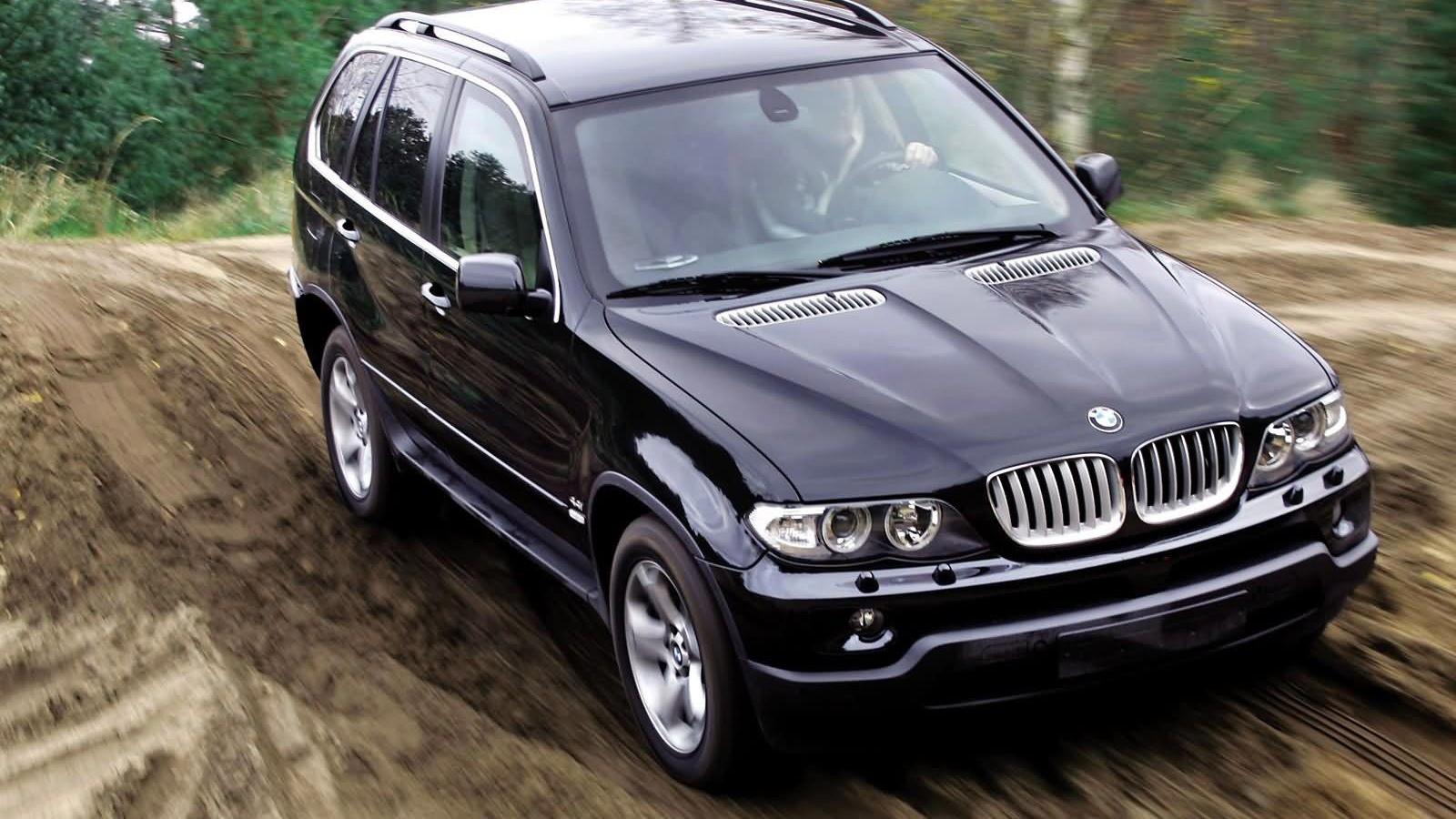 На фото: BMW X5 4.4i (E53) '2003–07