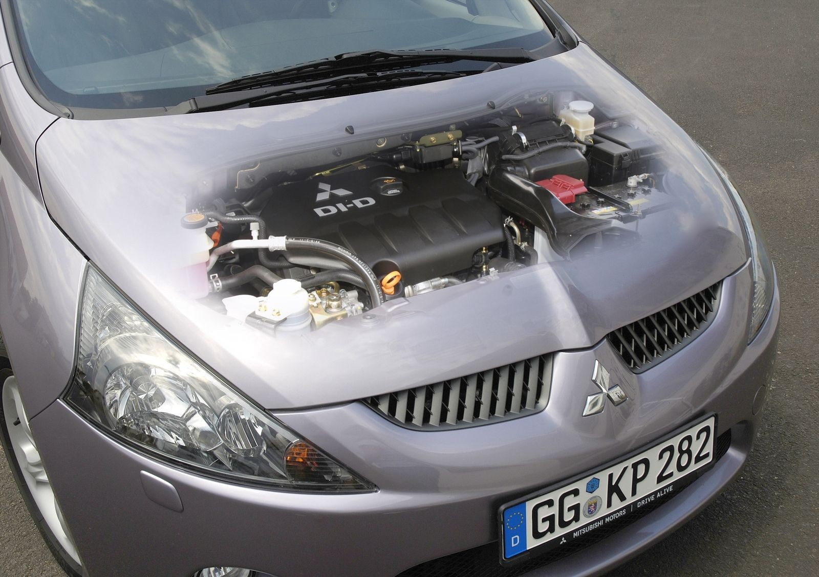 Выбор прост, поиск – не очень: стоит ли покупать Mitsubishi Grandis за 600 тысяч рублей