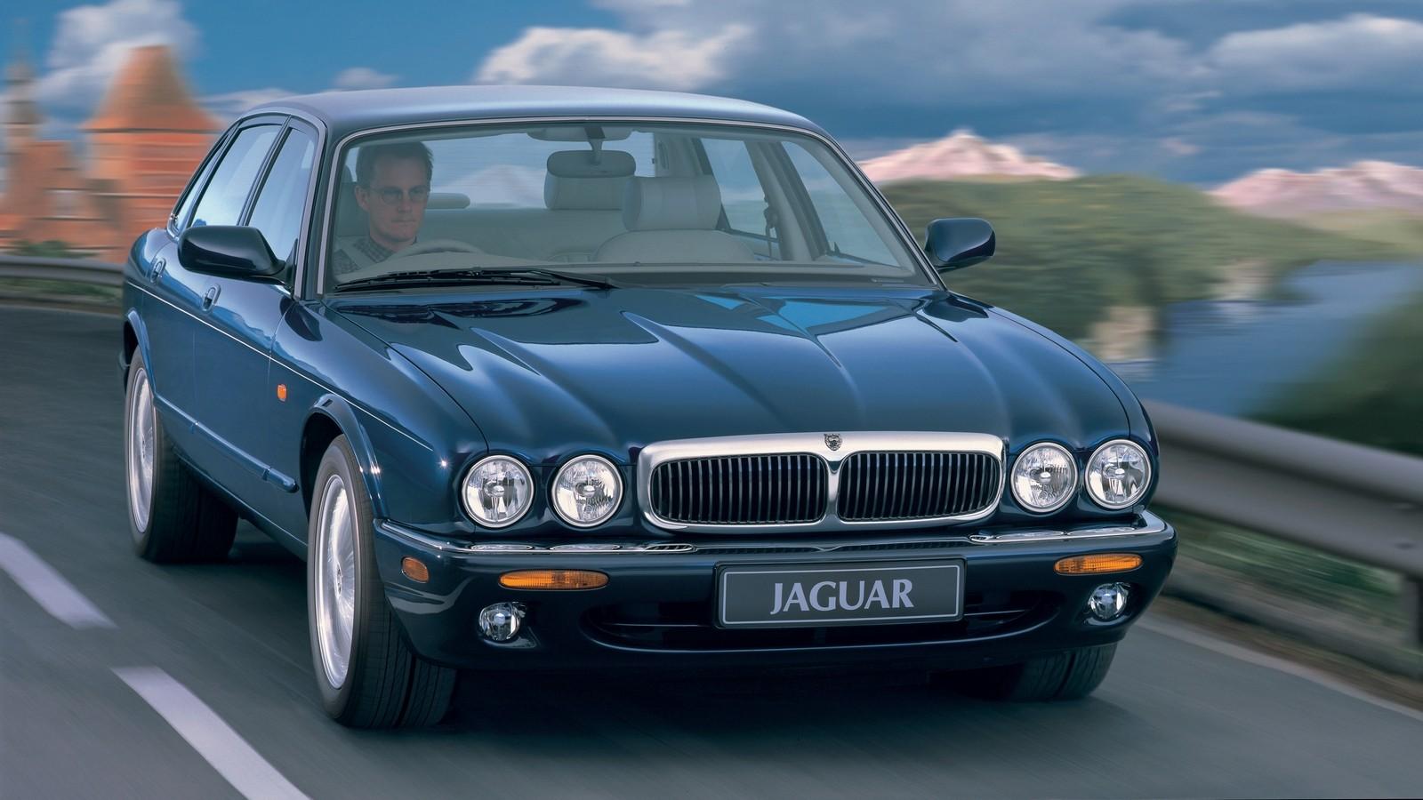 На фото: Jaguar XJ8 (X300) '1997