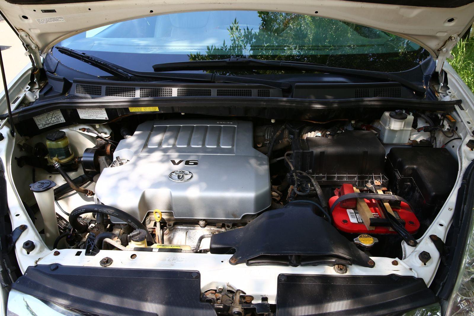 Кожа, V6 и постоянный (!) полный привод: опыт владения Toyota Sienna 2007 года
