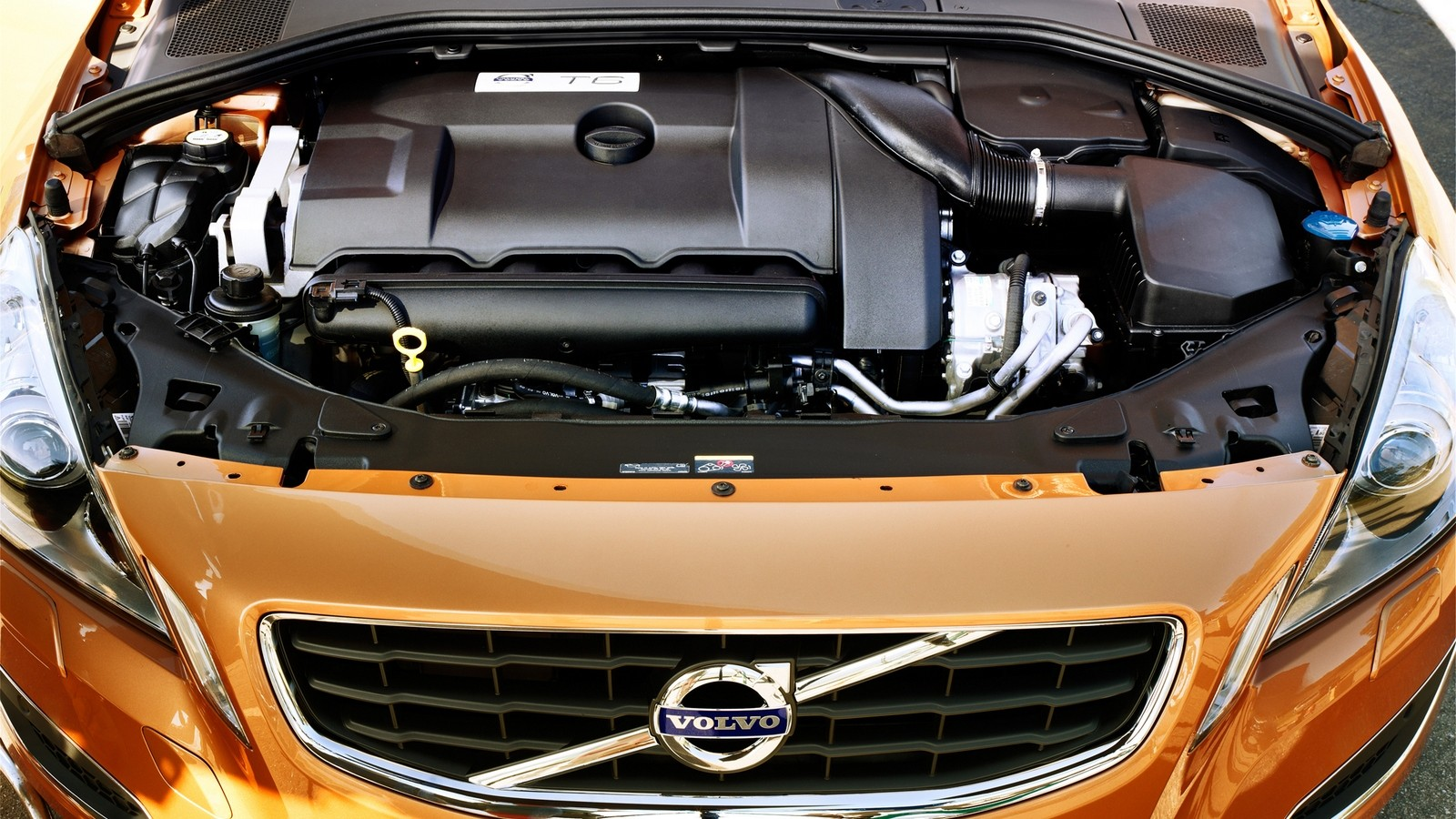 Под капотом Volvo S60 '2010–13