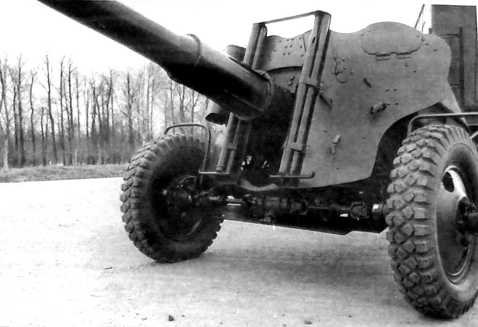 Механический привод ведущих колес активной 85-мм пушки СД-44 (из архива НИИЦ АТ)