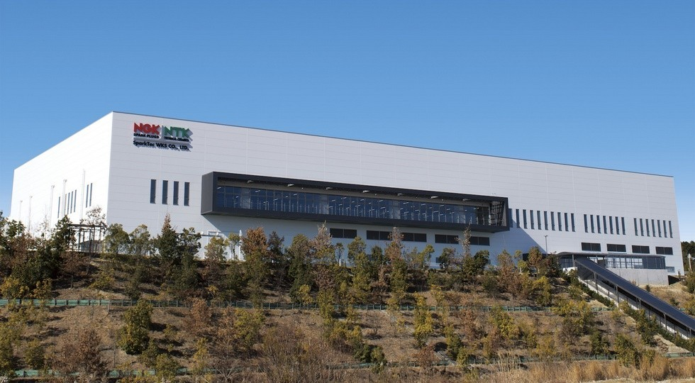 На фото: новый завод NGK Spark Plug в Комаки, Япония