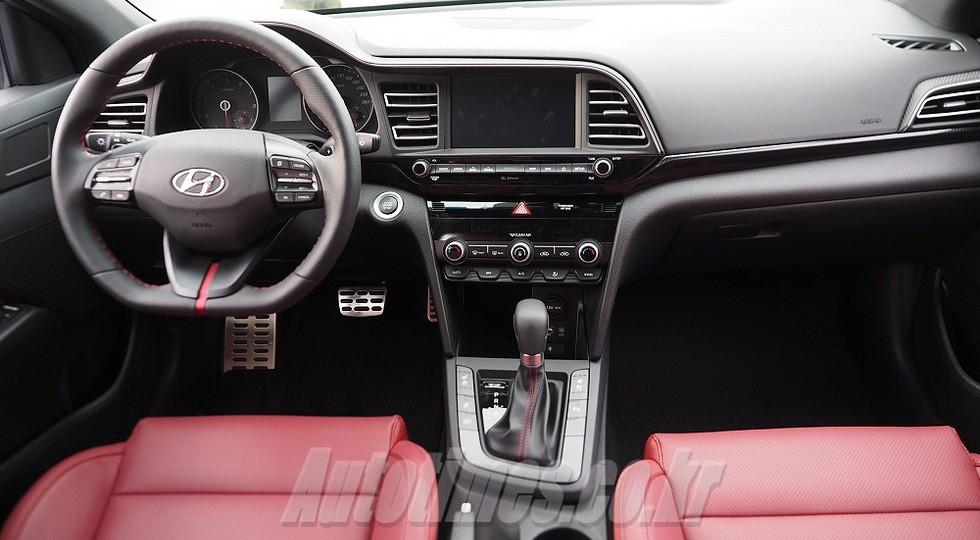 Обновленный седан Hyundai Avante Sport