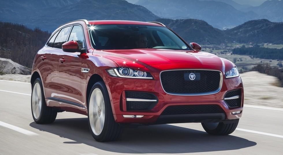 На фото: Jaguar F-Pace